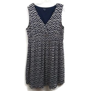 Gap maternity blue Aztec print sleeveless dress Lg